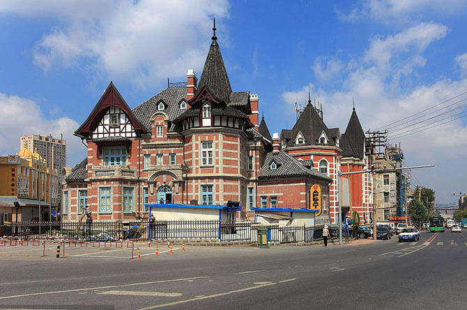 "Dalian –A seaside city of European style, and know as the ""Best Tourist City"" of China."